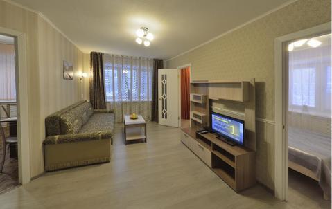 2-комнатная квартира в самом центре города (часы, сутки) - Фото 1