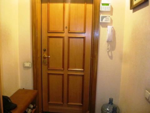 Серова 2 двухуровневая в московском районе панельный дом с мебелью - Фото 3