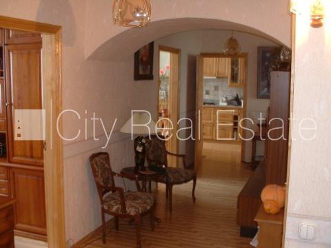 Продажа квартиры, Улица Менесс - Фото 1