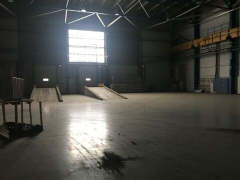 Сдам производственное помещение 1500 кв.м, м. Ладожская - Фото 1
