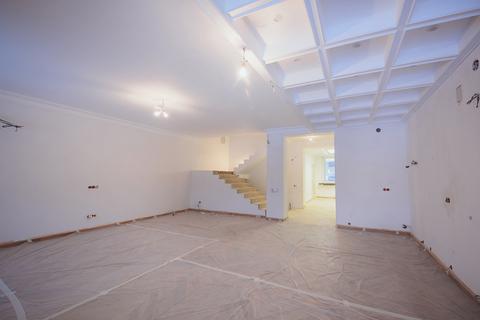 Продажа 4-комн. квартиры в новостройке, 160 м2, этаж 2 из 3 - Фото 4