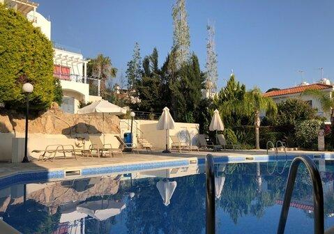 Шикарный трехкомнатный апартамент с панорамным видом на море в Пафосе - Фото 2