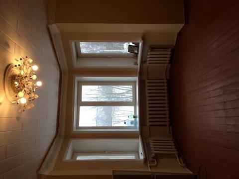 Просторная, светлая комната с ремонтом - Фото 2