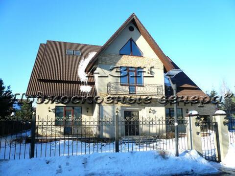 Рублево-Успенское ш. 18 км от МКАД, Лапино, Коттедж 498 кв. м - Фото 1