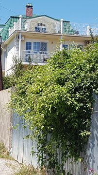 Продам гостевой дом и земельный участок в Крыму - Фото 1