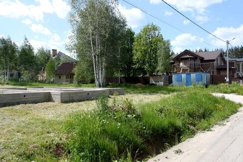 Участок с коммуникациями и фундаментом 10х12 в поселке Солнечный Город - Фото 3