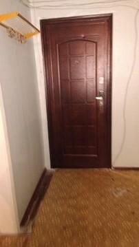 В квартире 8 комнат. Туалет на 2 семьи, душевая тоже.С мебелью (шкаф, . - Фото 3