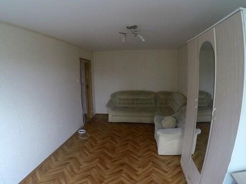Продаётся 1 комнатная квартира по ул. Кижеватова 9 окна не на дорогу - Фото 1