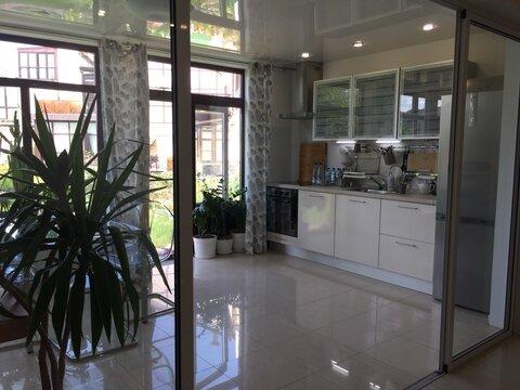 Апартаменты в аренду, 100 кв м в таунхаусе - Фото 1