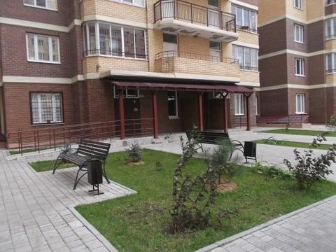 Отличная Двухкомнатная квартира в новом монолитном доме! - Фото 1