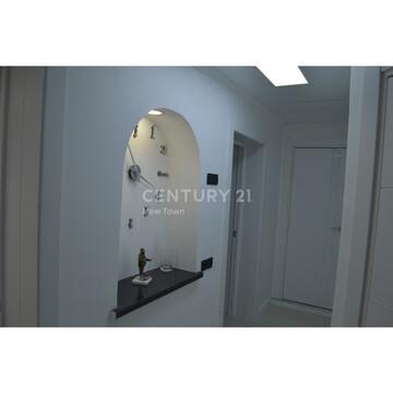 Продам 4 комнатную квартиру ул.Петра Комарова 2 - Фото 1