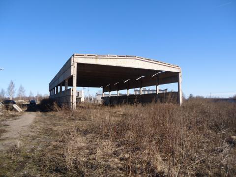 Здание с земельным участком 1 га - Фото 2