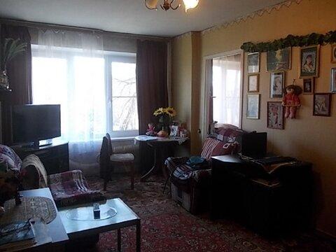 Продается 3-комнатная квартира на 1-м этаже 5-этажного панельного дома - Фото 1