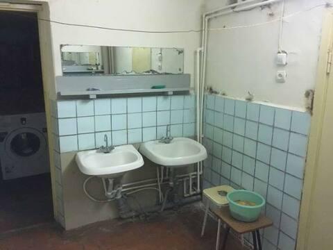 Продажа комнаты в восьмикомнатной квартире на Ульяновской улице, 9 в ., Купить комнату в квартире Пензы недорого, ID объекта - 700753957 - Фото 1