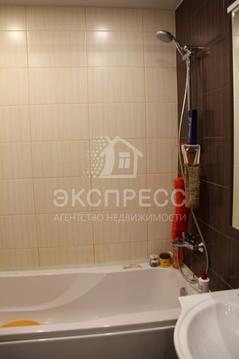 Продам 2-комн. квартиру, Европейский, Газовиков, 61 - Фото 2