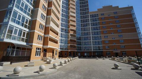 Видовая двухкомнатная квартира в монолитно- кирпичном доме, Выбор. - Фото 1