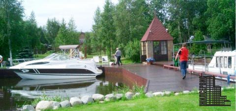 Дом - замок в английском стиле на берегу реки, 1-я линия, уч. 60 соток - Фото 4