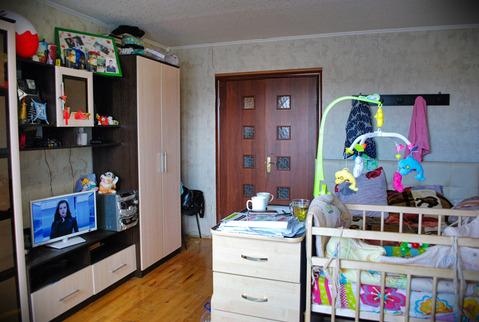 Продажа комнаты 16.9 м2 в четырехкомнатной квартире ул 8 Марта, д 185, . - Фото 1