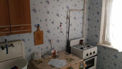 Сдаю 1 комнатную на 3-я Молодежная с мебелью, холодильником и тв - Фото 4