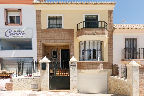 Продаю уютный коттедж в Малаге, Испания - Фото 1