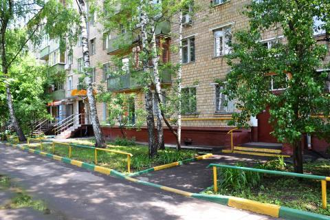 Новогиреево Продажа квартиры трехкомнатной в доме торговые помещения - Фото 1