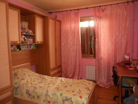 Продам 2-комнатную квартиру по ул. Костюкова, 79/2 - Фото 3