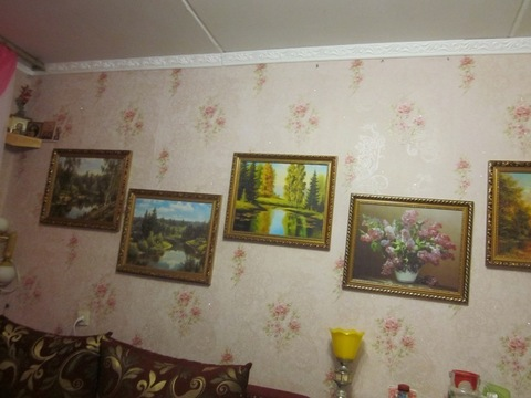 Комната в двухкомнатной квартире.