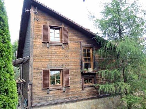 Дом необычной архитектуры на живописном участке в уютной деревне около . - Фото 3