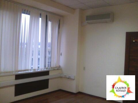 Офисное помещение, третий этаж, общей площадью 9,7 кв