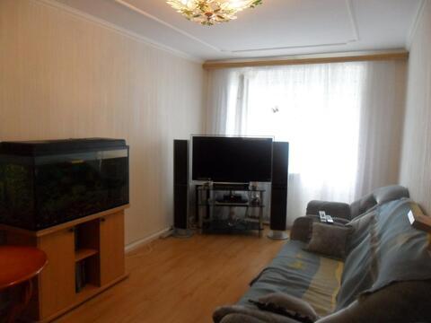 Продается трехкомнатная квартира в Александровке - Фото 1