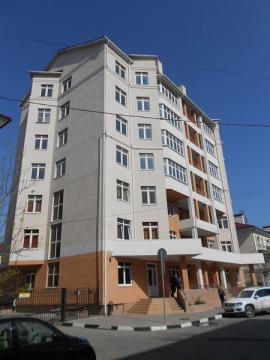 Крупногабаритная видовая однокомнатная квартира в Центре города. - Фото 1
