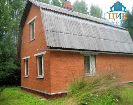 Кирпичная 2-этажная дача с земельным участком 6 соток - Фото 1
