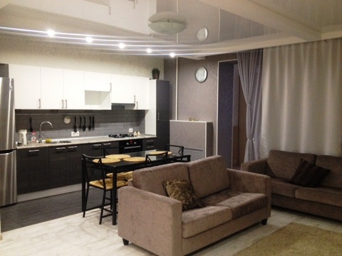 Сдам 3 комнатную квартиру в центре - Фото 2