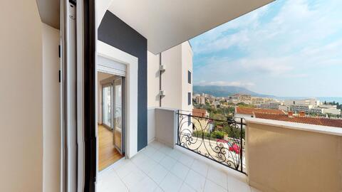 Квартира без мебели с видом на море в курорте г. Бечичи, Черногория - Фото 1