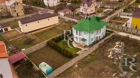 Продаётся дом 315м2 в элитном посёлке Севастополя на самом берегу . - Фото 1