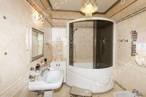 Продается квартира г Краснодар, ул Кубанская Набережная, д 60 - Фото 1