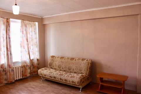 Продается комната в коммунальной квартире на ул. Ильича, д. 13. - Фото 1