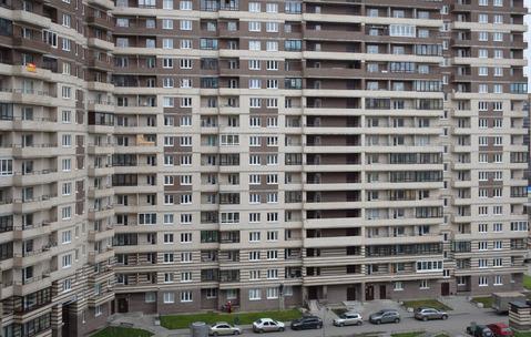 Купить квартиру в Мурино, вторичка, собственность, пешком от метро - Фото 1
