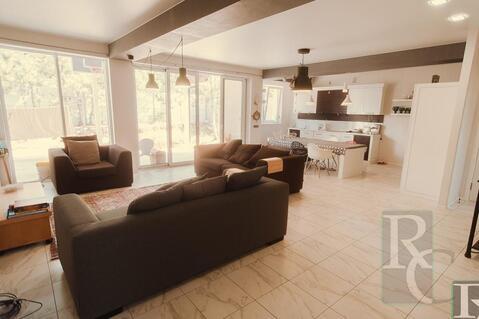 Отличный дом с дизайнерским ремонтом - Фото 3