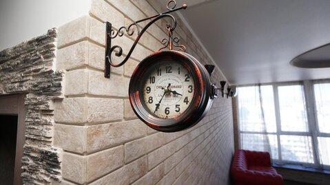 Купить двухкомнатную квартиру с дизайнерским ремонтом. - Фото 1