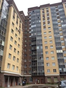 Продам двухкомнатную (2-комн.) квартиру, Большевиков пр-кт, 11к2, С. - Фото 1
