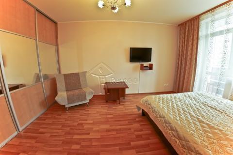 """Однокомнатная квартира на сутки - Эльмаш, ст.м. """"Проспект Космонавтов"""" - Фото 1"""