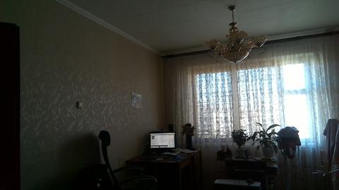 Продам 4-комнатную квартиру в пос. Разумное - Фото 1