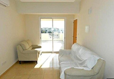 Прекрасный двухкомнатный Апартамент с большой верандой в Пафосе - Фото 4