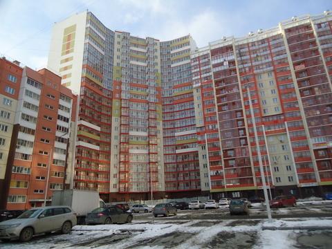 Квартира, ул. Братьев Кашириных, д.131 - Фото 1