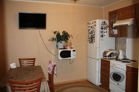 Продам 2-х комнатную квартиру в центре города, район Голутвин - Фото 1