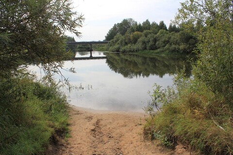 Участок на берегу реки - Фото 1