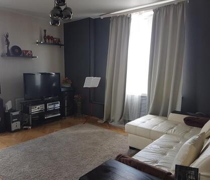 Сдаю комнату с мебелью в двухкомнатной квартире. - Фото 1