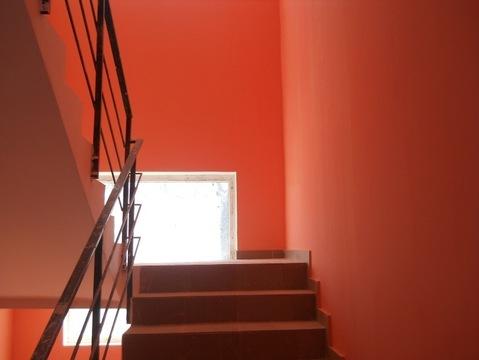 Малогабаритная двухкомнатная квартира с балконом под отделку - Фото 2