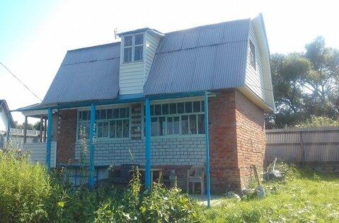 Двухэтажный кирпичный дом на участке 6 соток в пгт. Малино. Дом распол - Фото 1